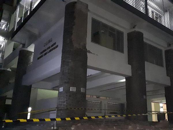 Pilar Gedung ITB Roboh Saat Wisuda, 6 Mahasiswa Menjadi Korban