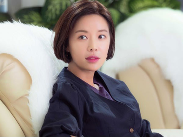 Comeback Akting Setelah 2 Tahun, Hwang Jung Eum Tetap Cantik dan Positif di Drama Baru SBS