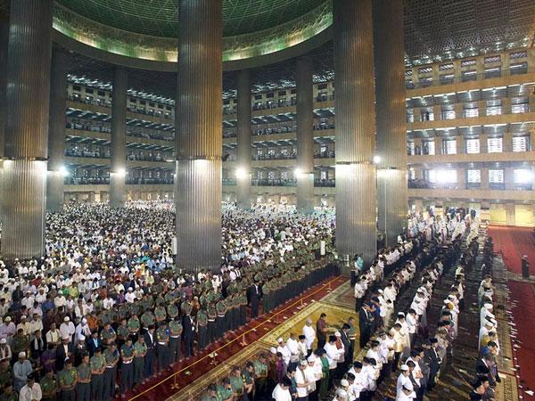 Pemerintah Tetapkan Idul Fitri 1438 H Pada Minggu 25 Juni