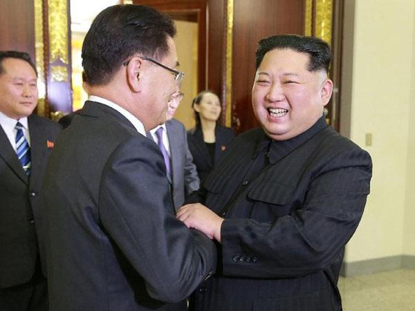 Kejadian Langka Pertama Kali: Kim Jong Un Temui Pejabat Korsel Utusan Presiden Moon Jae In!