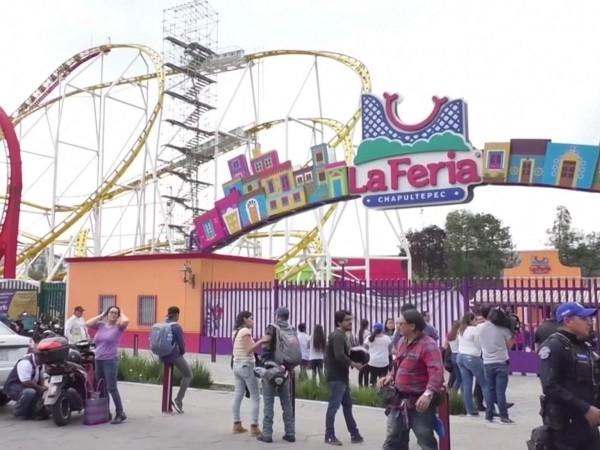 Tragis! 2 Orang Tewas Setelah Wahana Roller Coaster di Mexico Tergelincir
