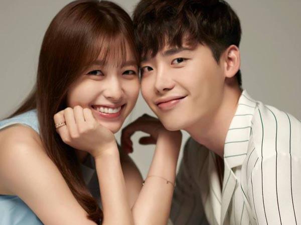 Begini Ekspresi Lucu Lee Jong Suk dan Han Hyo Joo Usai Lakoni Adegan Ciuman Pertamanya