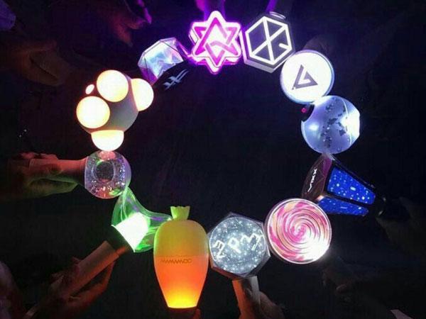Penjelasan dari Deretan Light Stick Dengan Bentuk Unik dan Lucu Grup K-Pop