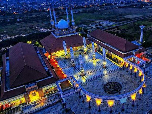 Kunjungi Empat Masjid Unik di Sekitar Jalur Pantura di Momen Mudik Tahun Ini!