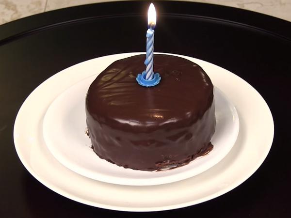 Bikin Super Easy Mini Choco Birthday Cake Untuk Orang Tersayang Yuk!
