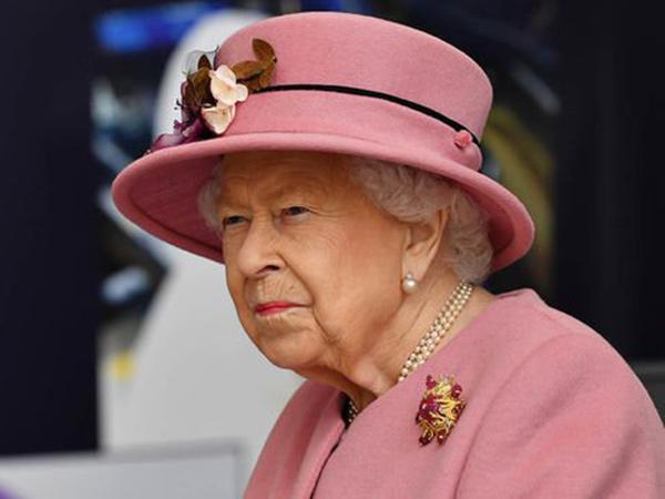 Ratu Elizabeth Buka Lowongan ART Magang, Gajinya Rp 367 Juta