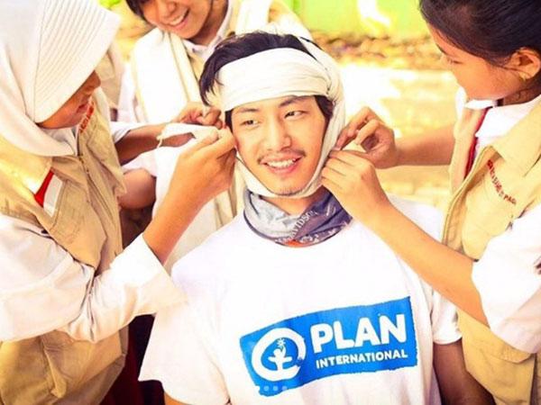 Diam-diam Song Jae Rim Sedang Lakukan Misi Sosial di Jakarta!