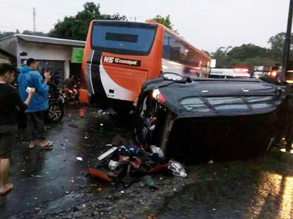 Disebabkan Oleh Bus, Begini Kronologi Kecelakaan Maut di Puncak