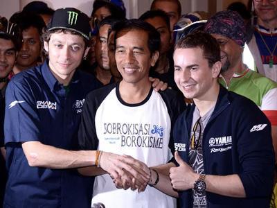 Mampir ke Jakarta, Valentino Rossi Senang Lihat Banyak Motor!