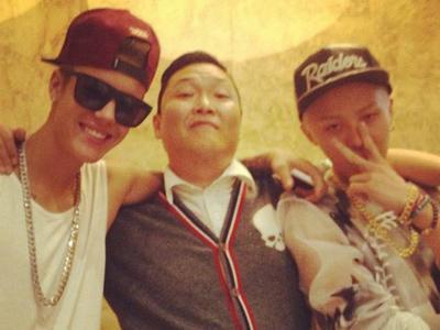 Psy Juga Bocorkan Proyek Kolaborasinya Bersama Justin Bieber dan G-Dragon!