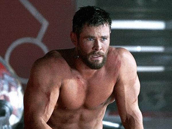 Chris Hemsworth Makin Berotot untuk Perankan Hulk Hogan
