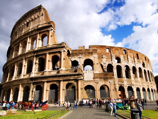 Jangan Ditiru, Ini Deretan Kesalahan Turis Saat Berwisata ke Roma