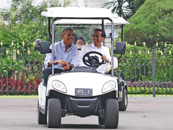 Begini Video Momen 'Bromance' Saat Jokowi Sopiri dan Pandu Obama di Istana Bogor