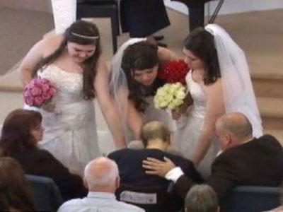 Tiga Saudara Menikah Bersama 12 Jam Sebelum Ibu Meninggal