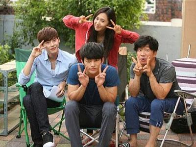 Yuri SNSD Sapa Fans Dari Set Syuting 'No Breathing'