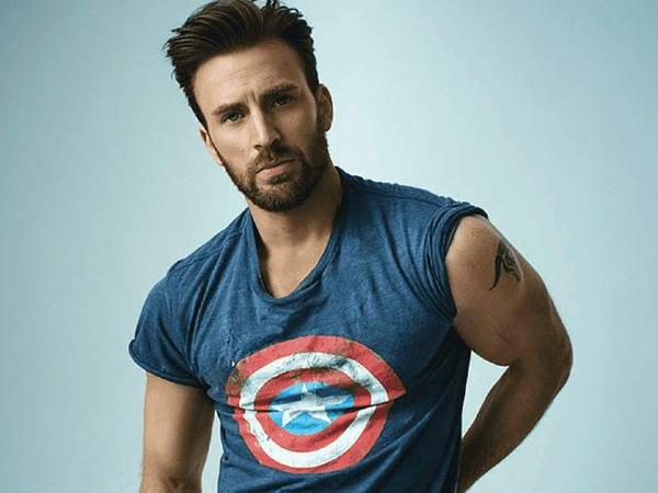 Chris Evans Berikan Perisai Captain America untuk Bocah Pemberani