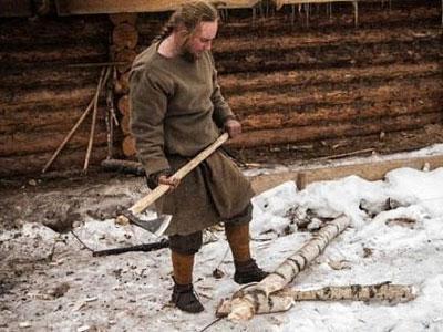 Wah, Pemuda Rusia Jalani Hidup Gaya Abad Pertengahan