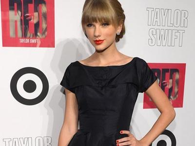Taylor Swift Akan Jadi Co-Host dalam Konser 'Grammy Nominations'