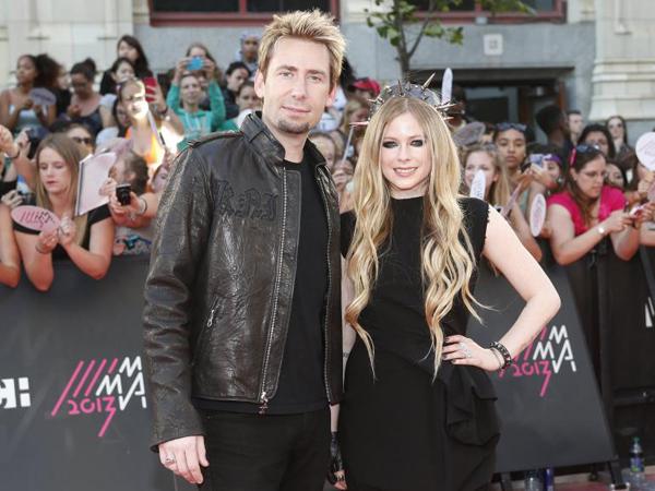 Inikah Penyebab Retaknya Rumah Tangga Avril Lavigne dan Chad Kroeger?