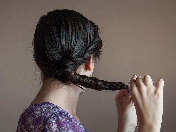 Bau Hingga Rontok, Ini Dampak Buruk Kebiasaan Mengikat Rambut yang Masih Basah