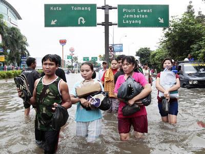 Waspadai Leptospirosis saat Dikepung Banjir