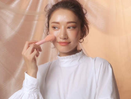 Aplikasikan Blush On Sampai Telinga, Intip Trend Make-Up Ala Korea Selatan