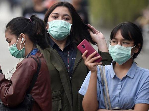 Ramai Isu Polusi Udara, Seperti Ini Cara Pakai Masker yang Benar Menurut Dokter Paru