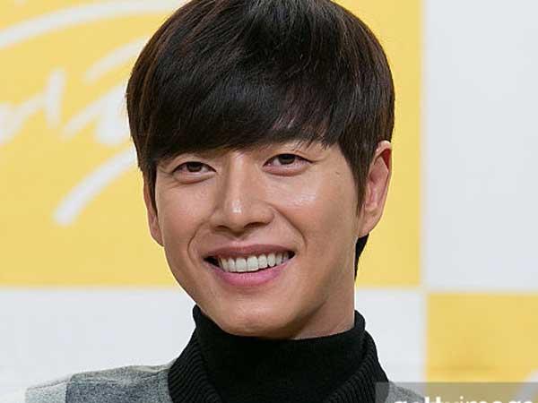 Ini Hadiah Fans yang Bikin Park Hae Jin Tertawa Lepas Saat Di Bandara Tiongkok!