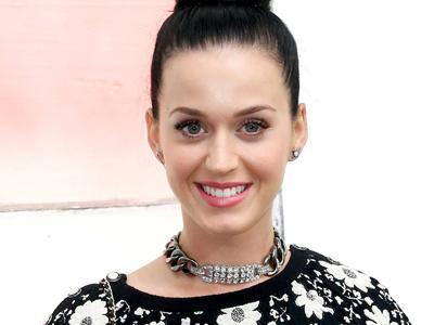Wow, Katy Perry Jadi Bidan Dadakan di Ruang Tamunya!