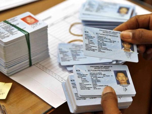 Dikirim dari Kamboja, Bea-Cukai Amankan Sejumlah E-KTP Palsu