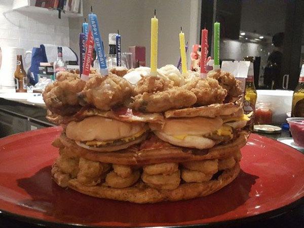 Bosan dengan Krim? Fast Food Cake Bisa Jadi Pilihan Kue Ulang Tahunmu!