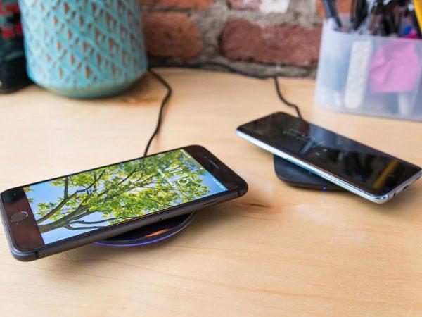 Pengguna Mengeluh Baterai iPhone Bocor Gara-gara Wireless Charger