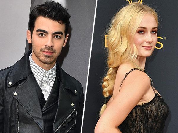 Makin Mesra, Joe Jonas dan Sophie Turner Tertangkap Kamera Keluar dari Hotel Berdua!