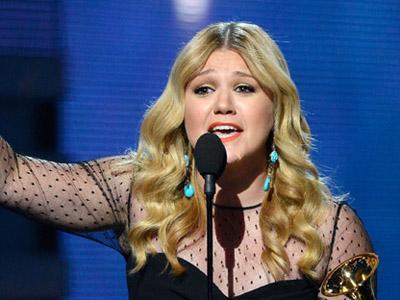 Kelly Clarkson Banting Setir Jadi Penyanyi Country?