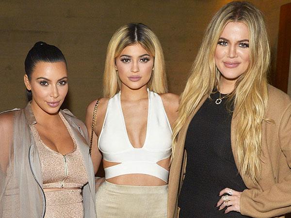 Kim Kardashian Rela Minum Jus Sarden Demi Khloe dan Kylie Jenner