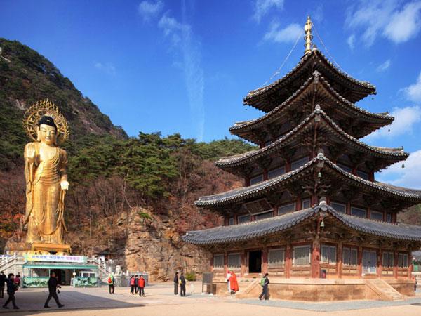 Daebakk, Tujuh Kuil di Korea Selatan Ini Masuk Ke Dalam Daftar Warisan Dunia!