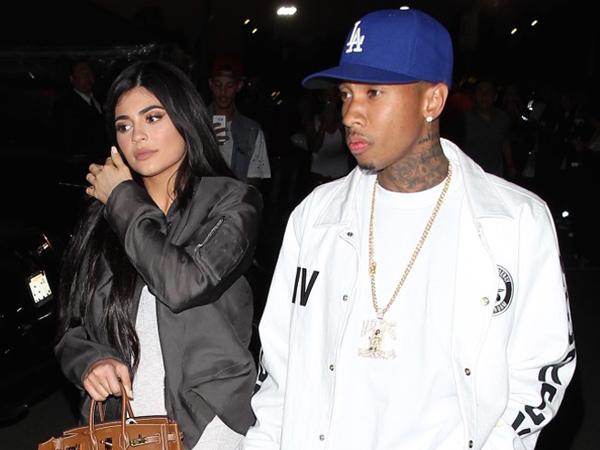 Kylie Jenner Rela Bayar Cincin Tunangan dan Biayai Pernikahannya Bersama Tyga?