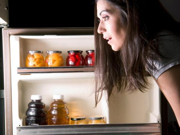 Simak Dampak Buruk Makan Berat Lewat dari Jam 9 Malam Bagi Kesehatan