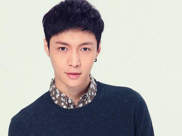 Terlihat di Lokasi Syuting 'Oh My God', Lay EXO Makan Bareng Kru!