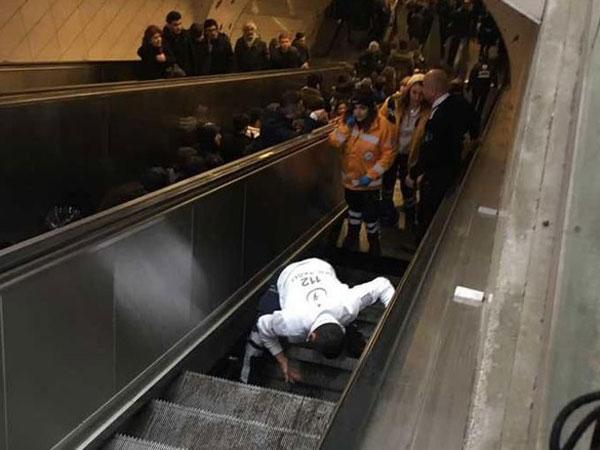 Momen Ketika Eskalator Ramai di Turki 'Telan' Seorang Pria di Tengah Jalan