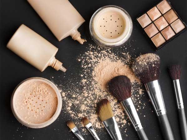 Satu Hal Sepele Ini Bisa Buat Makeup Item Kesayangan Rusak Sebelum Waktunya