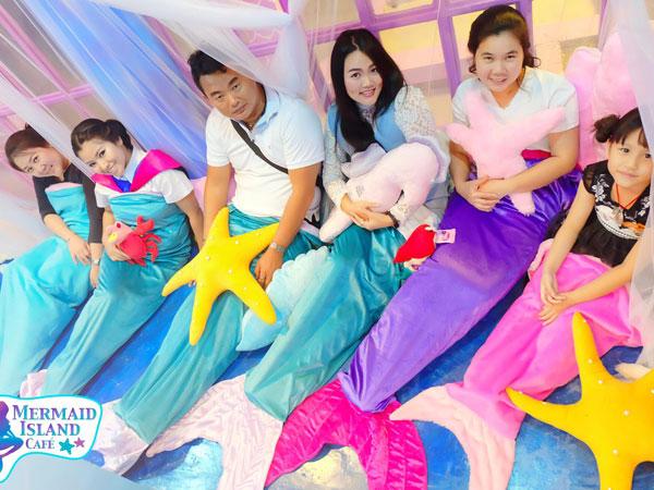 Rasakan Serunya Jadi Putri Duyung Sehari di Kafe Mermaid Island