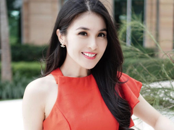 Selamat, Sandra Dewi Hamil Anak Pertama!