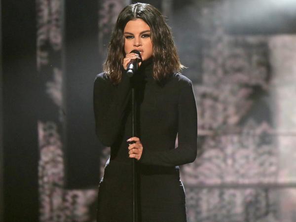 Bernyanyi Sumbang di American Music Awards 2019, Selena Gomez Kena Serangan Panik!