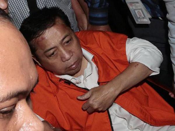 Kata Setya Novanto yang Digiring KPK ke Tahanan: Saya Masih Sakit, Kurang Tidur