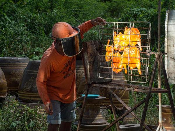 Uniknya Cara Masak Ayam Gunakan Sinar Matahari, 'Solar Chicken'!