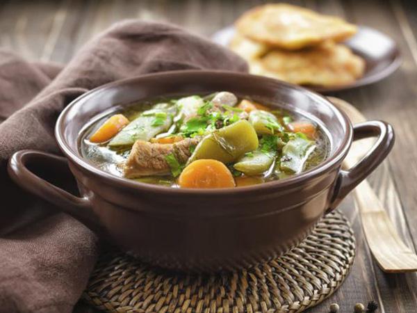 Santap Sup Lezat yang Bisa Bikin Kurus Ini, Yuk!