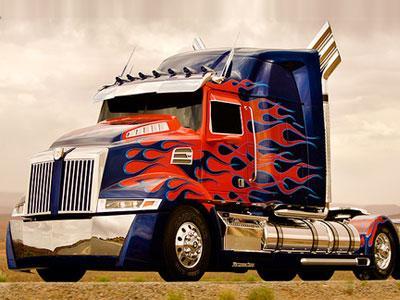 Tampilan Terbaru Optimus Prime Lebih Hot di Transformers 4