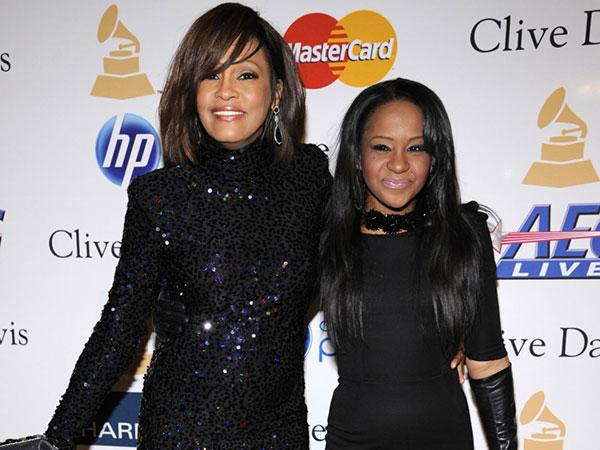Sepupu Yakin Bobbi Kristina dan Whitney Houston 'Dibunuh' Orang yang Sama?