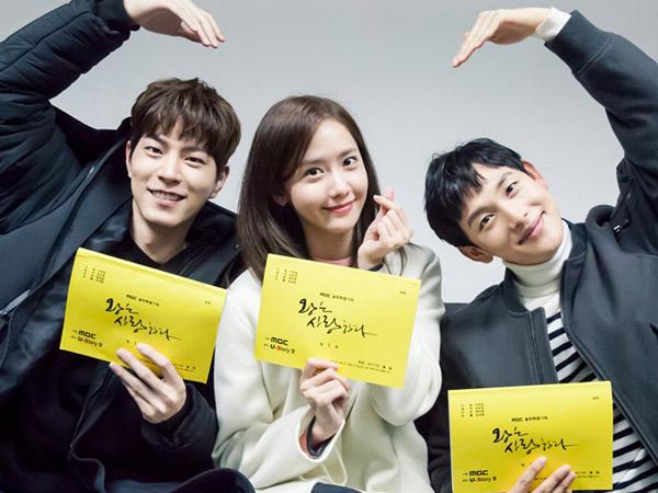 Sstt, Situasi Tiga Pemeran di Teaser 'The King Loves' Ini Makin Bikin Penasaran!